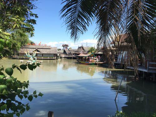 パタヤで絶対に行ってはいけない観光地「水上マーケット」 ジョムティエンビーチなんて知ったかしてる奴らが推してるだけで至極つまらない